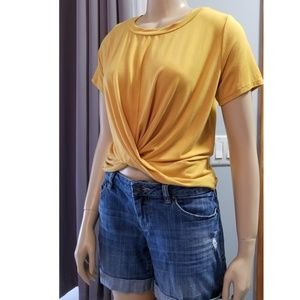 Gaze twisted Front Top, M, Short Sleeves, NWT